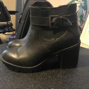 Steve Madden Chelsea Boot Platform Booties Black